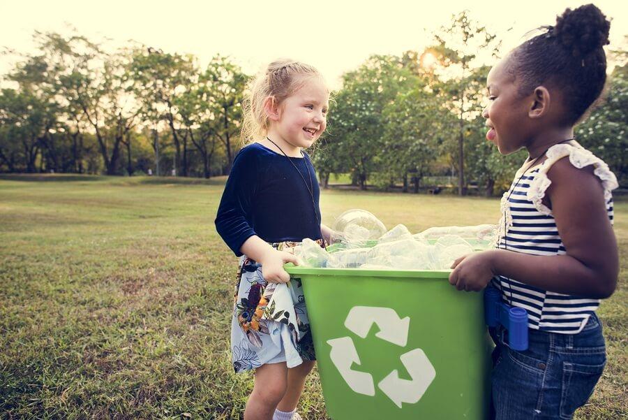 Little Kids Helping Food Waste