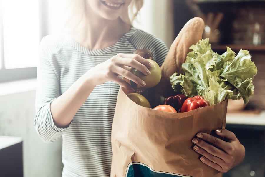 Holding Non GMO Food