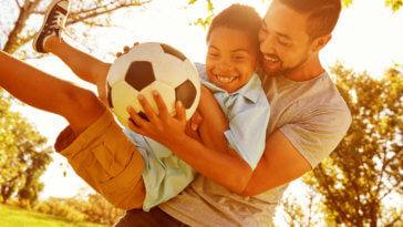 Top 10 Tips for Raising Happy, Healthy Kids_Title