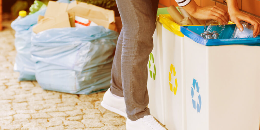 10 Easy Ways to Start Living Zero Waste_Work