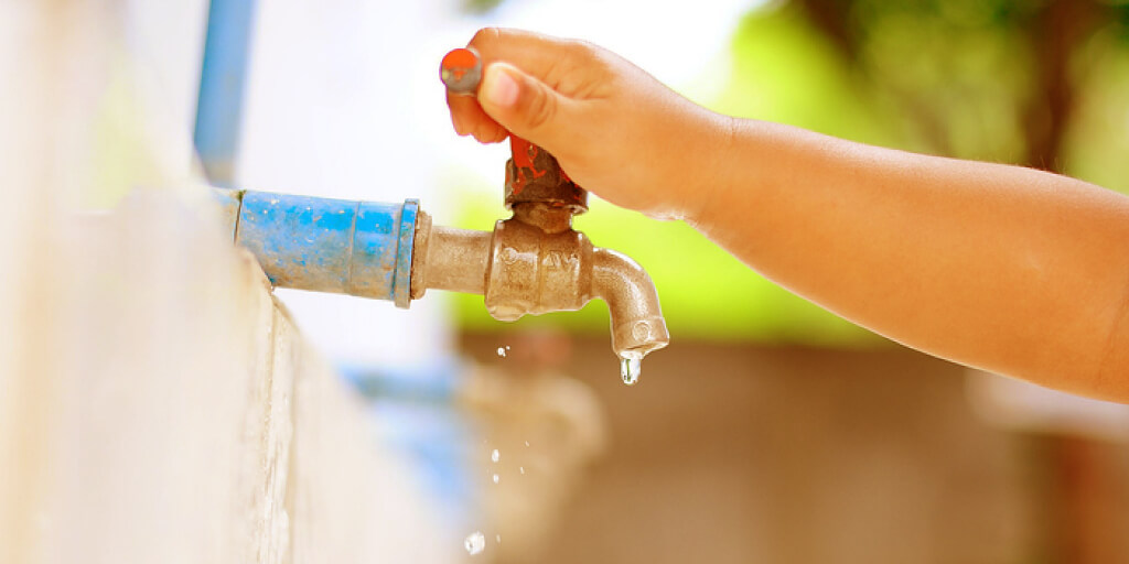 Top 10 Easy and Cost-Effective Ways to Save Water_Top